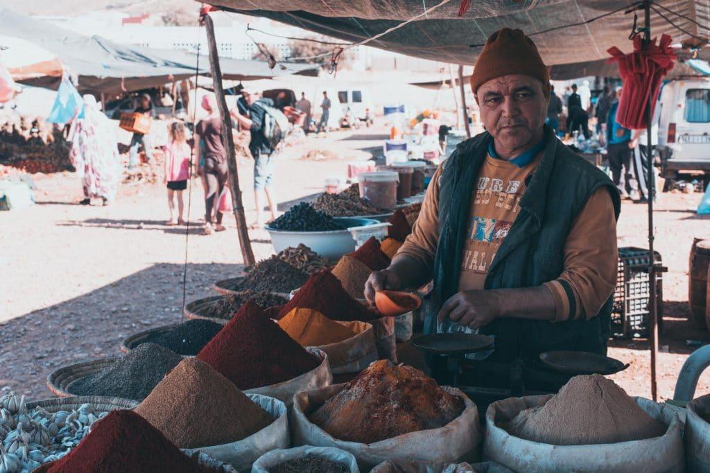Souk Markt in Marokko, Gewürzverkäufer preise
