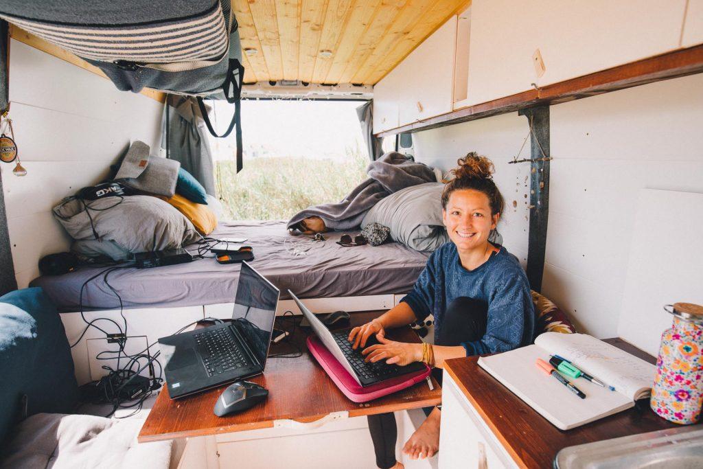 arbeiten im eigenen Camper wohnmobil digitale nomaden