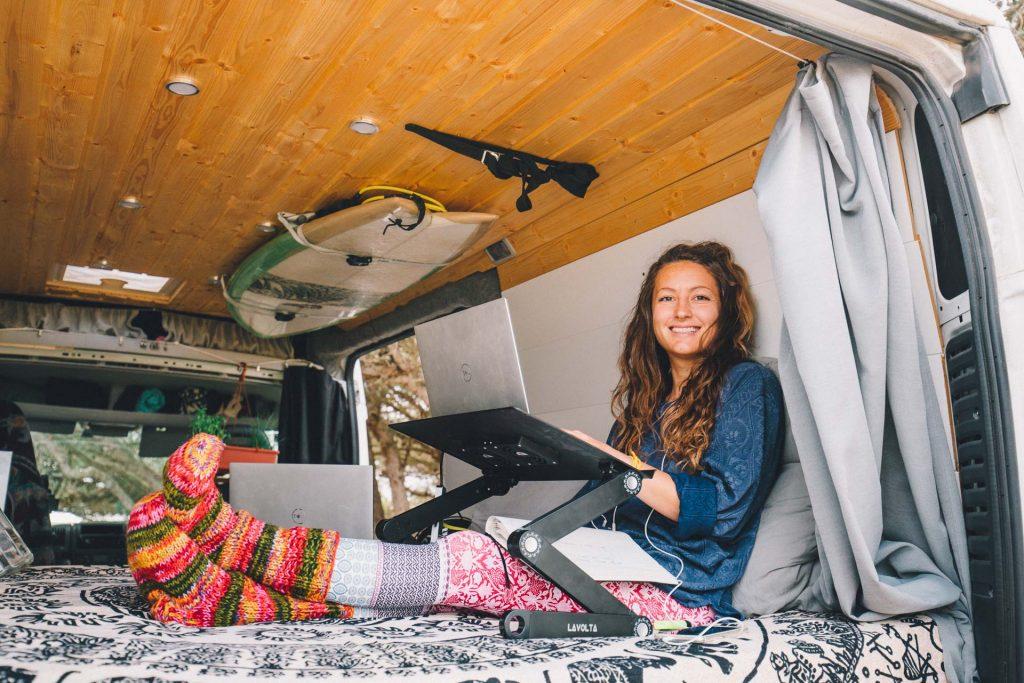 Notebook platz im Camper arbeiten im Wohnmobil
