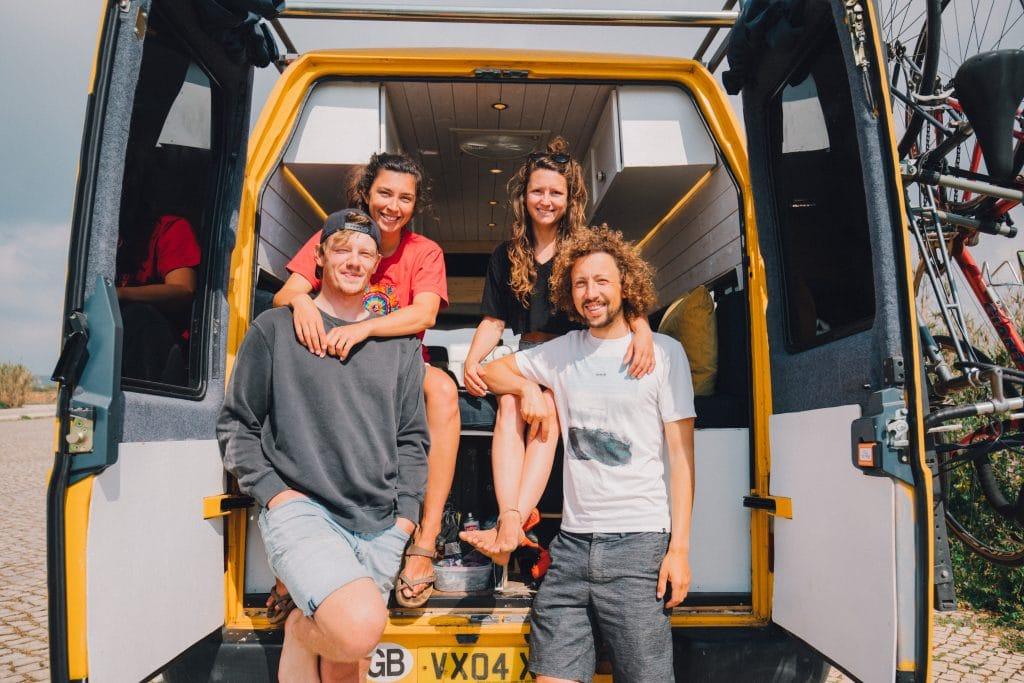 Camper Interview Vanlife LTD Convoy minibus gruppenfoto