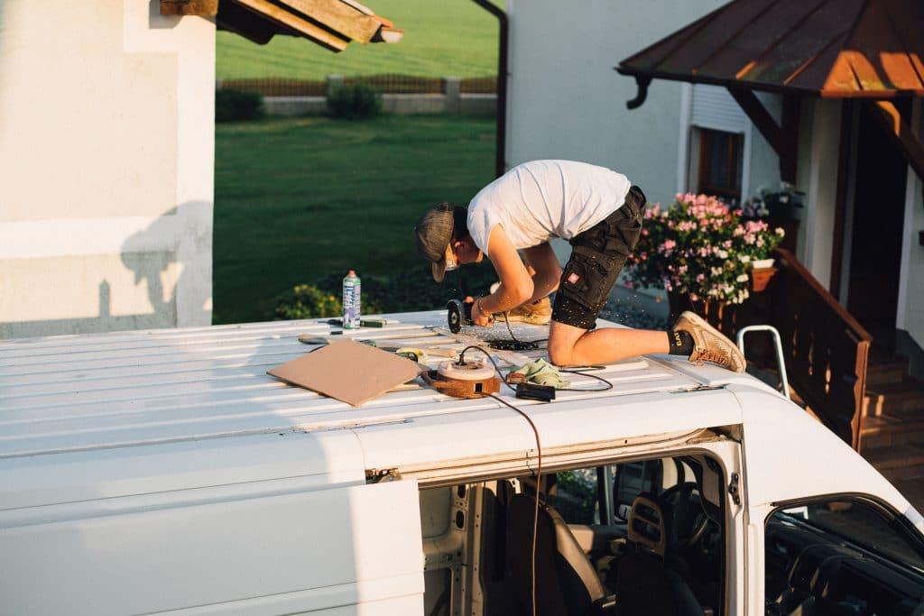 Dachfenster für das Wohnmobil. Die richtige Dachluke im Camper verbauen.