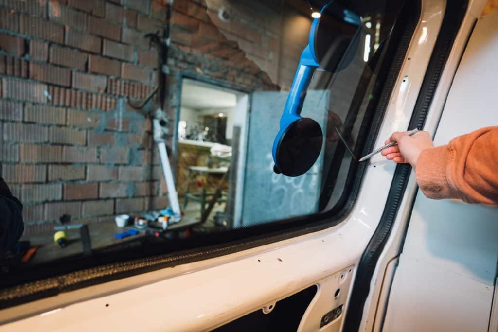 Rahmen anzeichnen VW T5 Fenster nachrüsten