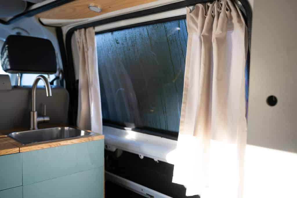 Seitenfenster VW T5 mit Schiebevorhang