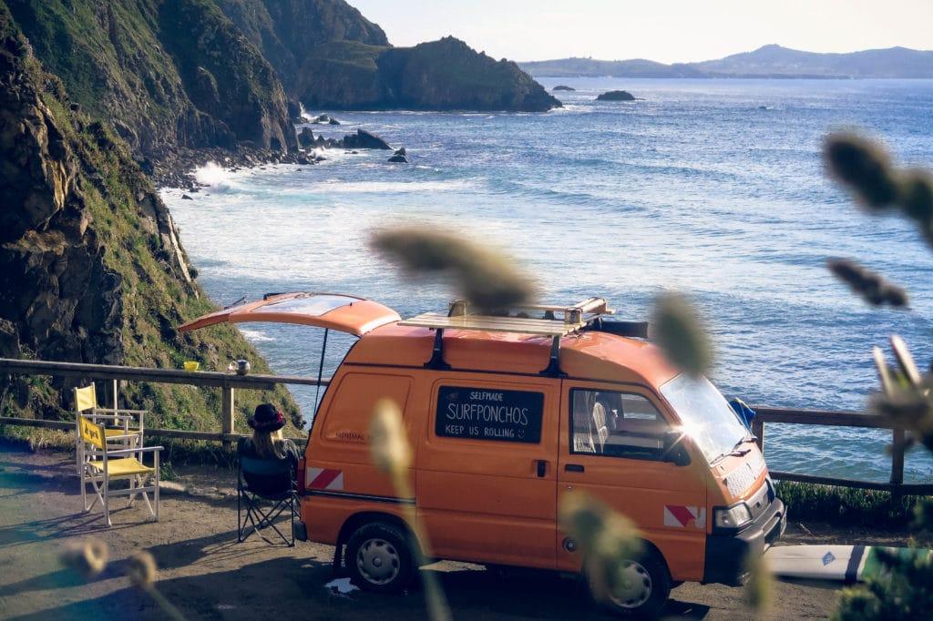Piaggio Porter DIY Minivan auf Reisen Nord Spanien