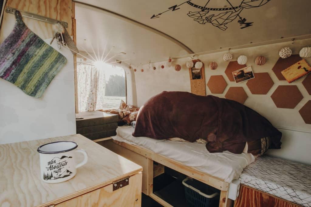 VW Bulli Korkplatten Kuschelige Decke Bett