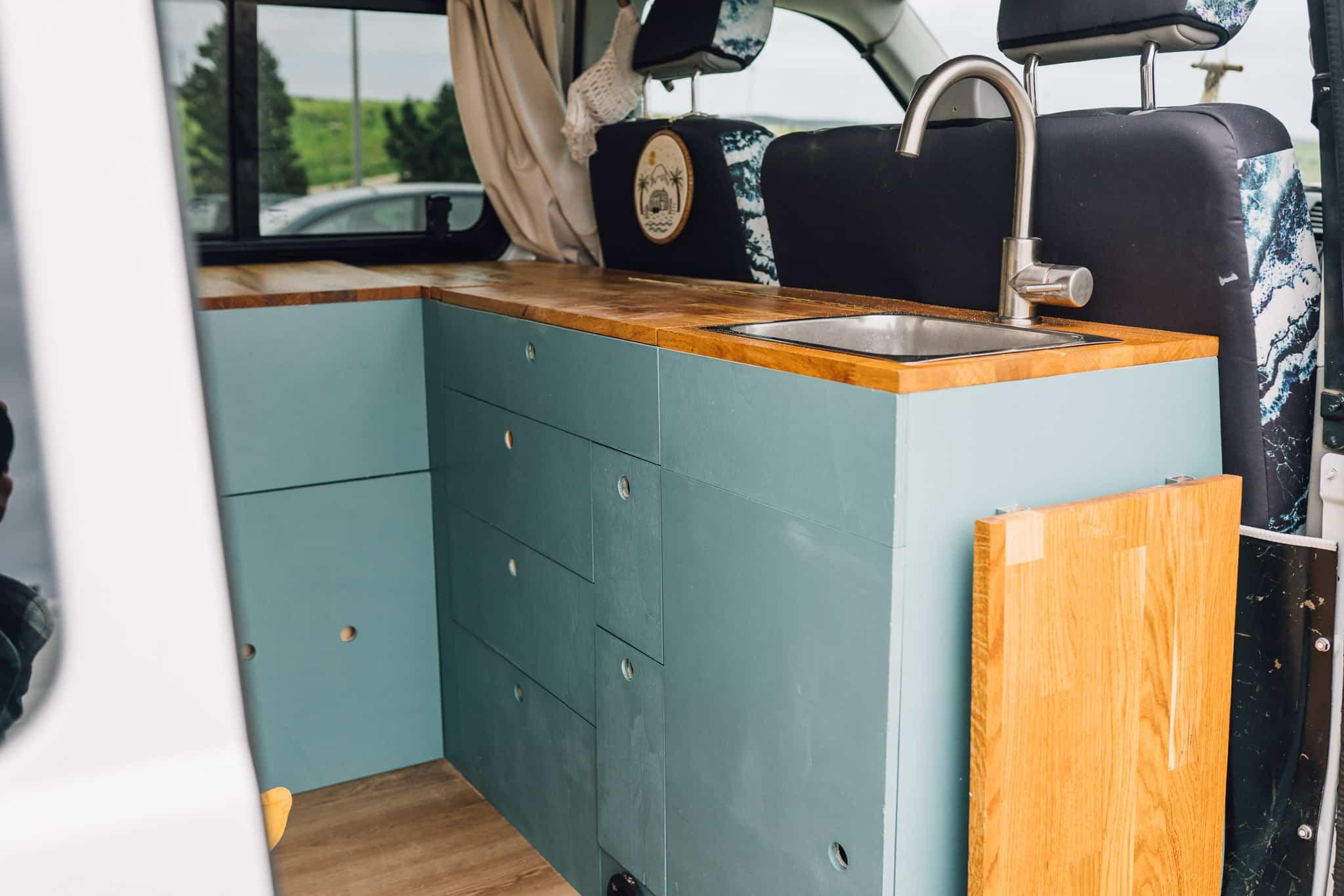 VW T5 Camper Küche Holz Spüle Vorhang Stickerei