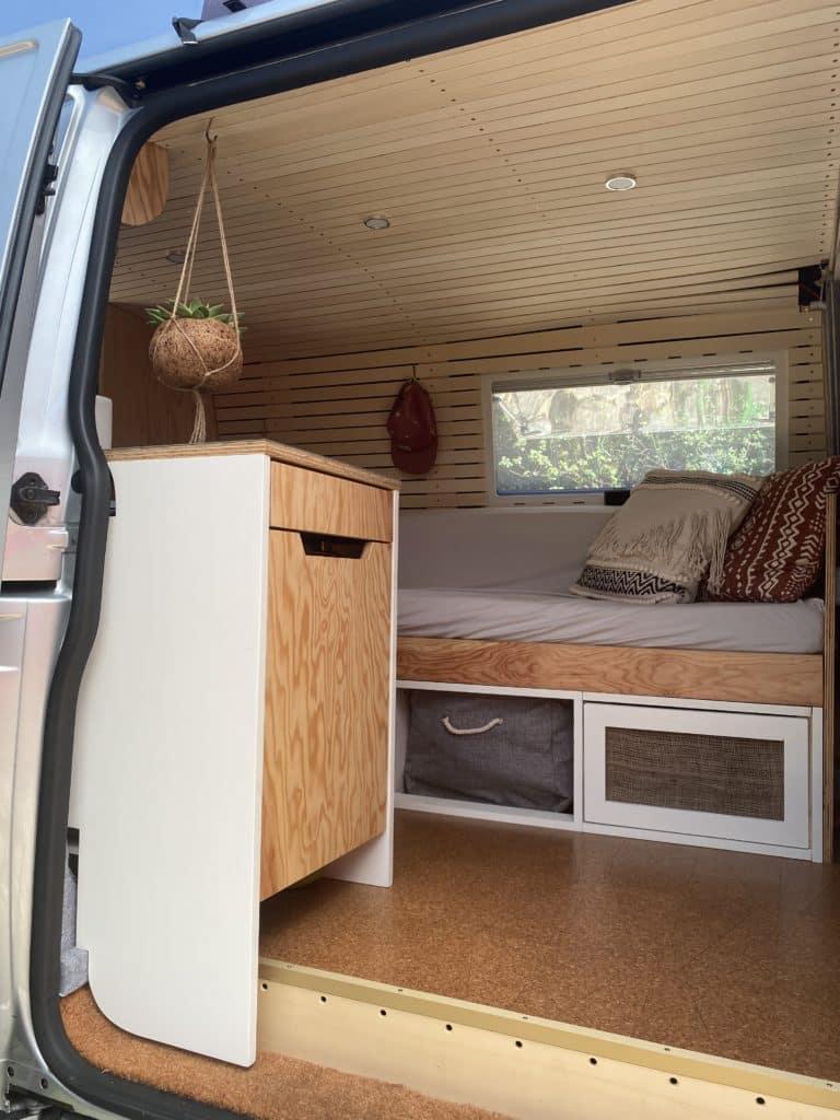 Camper Küche VW Bus Schiebetüre Ausziehbett