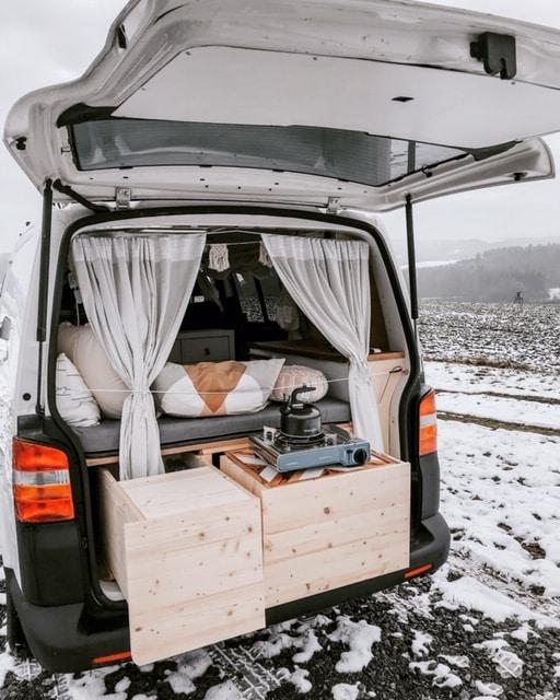VW T5 Heckauszug Küche im Winter Heckklappe