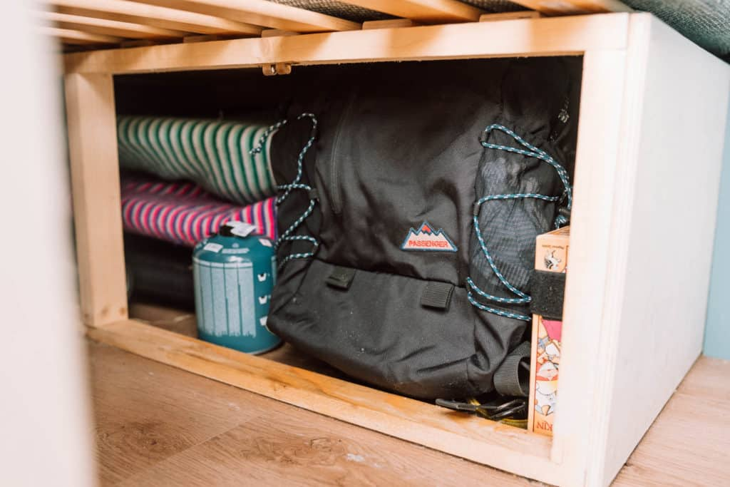 VW T5 Micro Camper Stauraum unter dem Bett